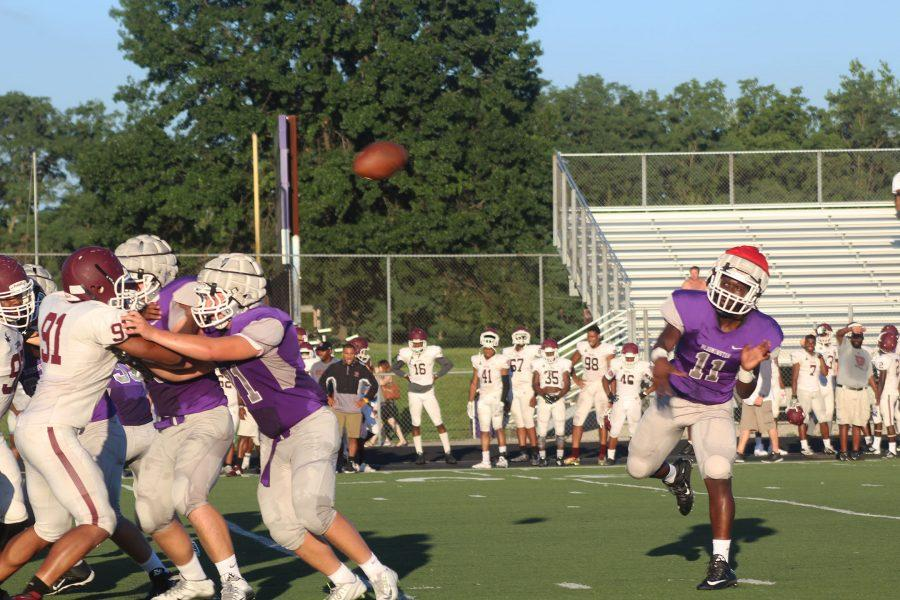 South football plays their final scrimmage