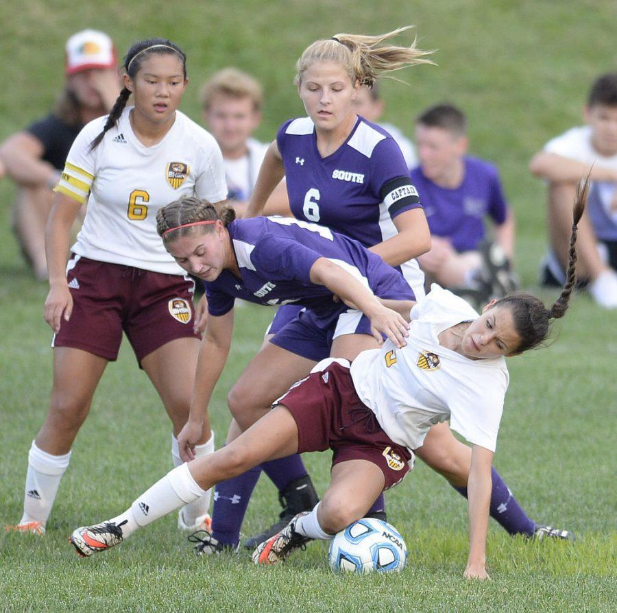 Girls soccer beat Cougars in OT thriller