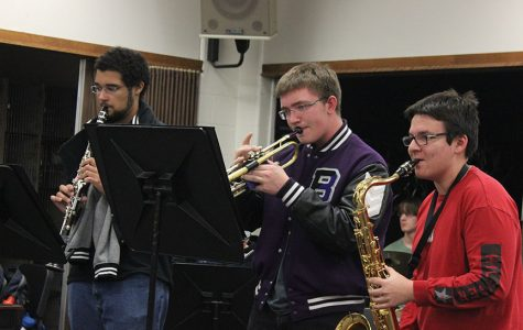 Jazz band rehearses for winter concert