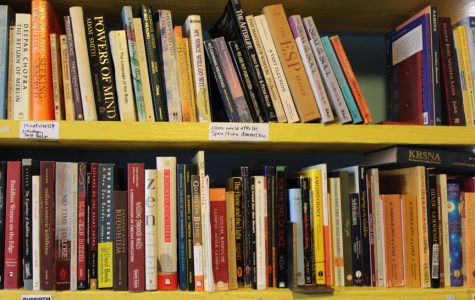 Local organization gives books to prisoners