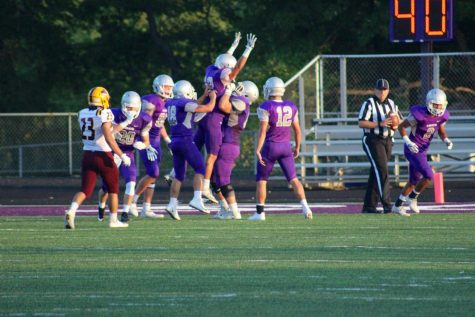 Sophomores lead Panther O into playoffs