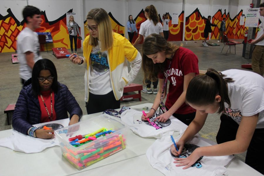 South students decorate their Red Hot t shirts.