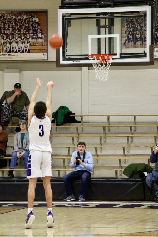 South's Anthony Leal (3) shoots a free throw.