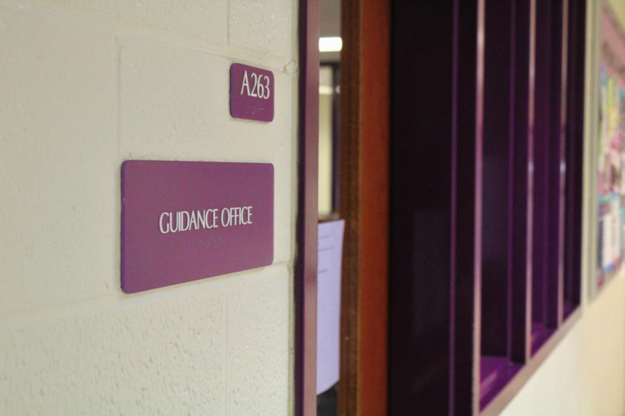 Students keep counselors busy with schedule changes