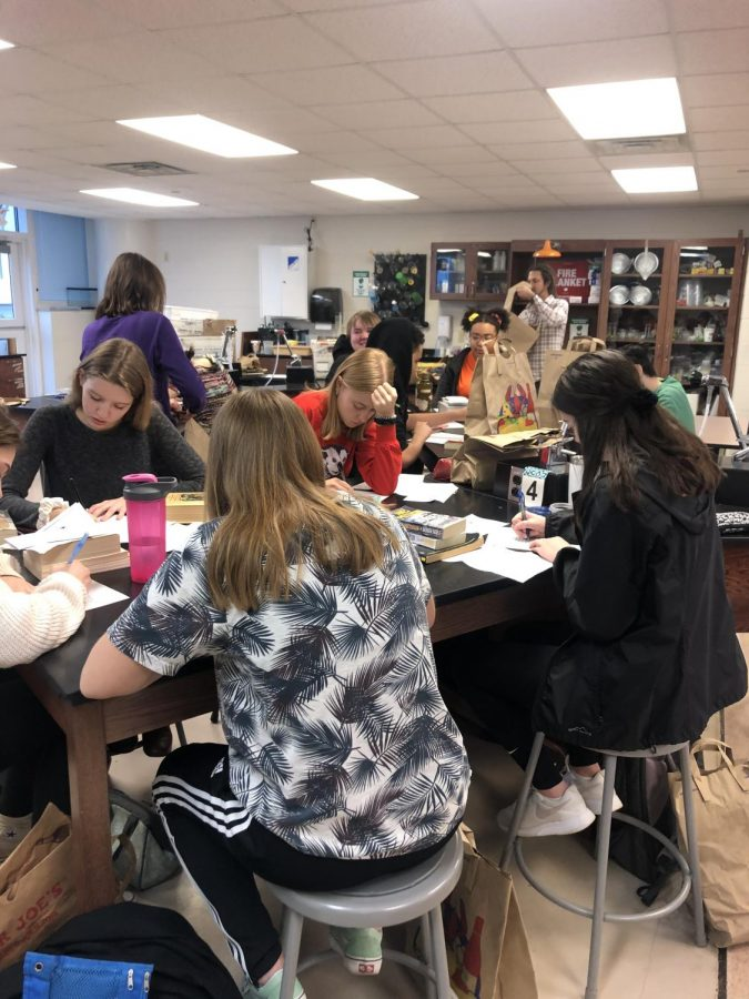 Students get involved with Midwest Pages to Prisoners Project